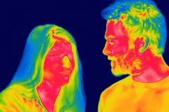 le-monde-vu-avec-un-appareil-d-imagerie-infrarouge-frontale_68038_w460